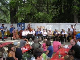 43. Ländlertreffen in Mutten. (Bildquelle der Gemeinde Mutten)