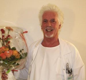 Dr. Jonas Barandun feiert sein Dienstjubiläum (25 Jahre). (Quelle: Spital Thusis)