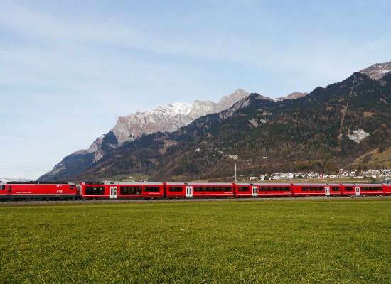 Neuer Albula-Gliederzug eingeweiht