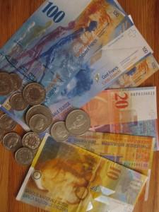 Der Enkeltrickbetrüger wollte eine grössere Summe Geld. Der Betrügte liess sich nicht drauf ein und alarmierte die Polizei. (Symbolbild)