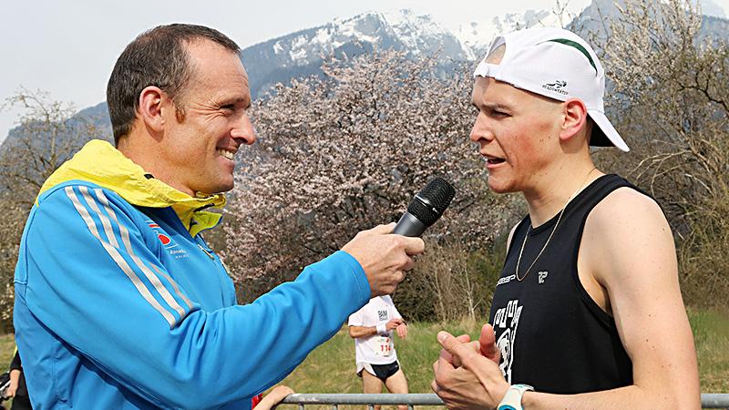 Am Schluss ein Interview. (Bild: www.fruehlingslauf.ch)
