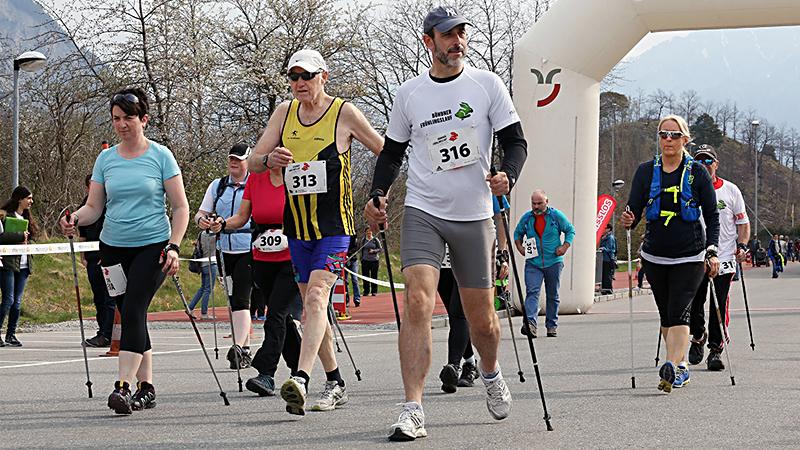 Walker / Nordic Walker sind auch immer Willkommen. (Bild: www.fruehlingslauf.ch)