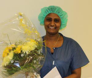 10 Jahre Jubiläum feiert Rathija Thayananthan. (Foto: Spital Thusis)
