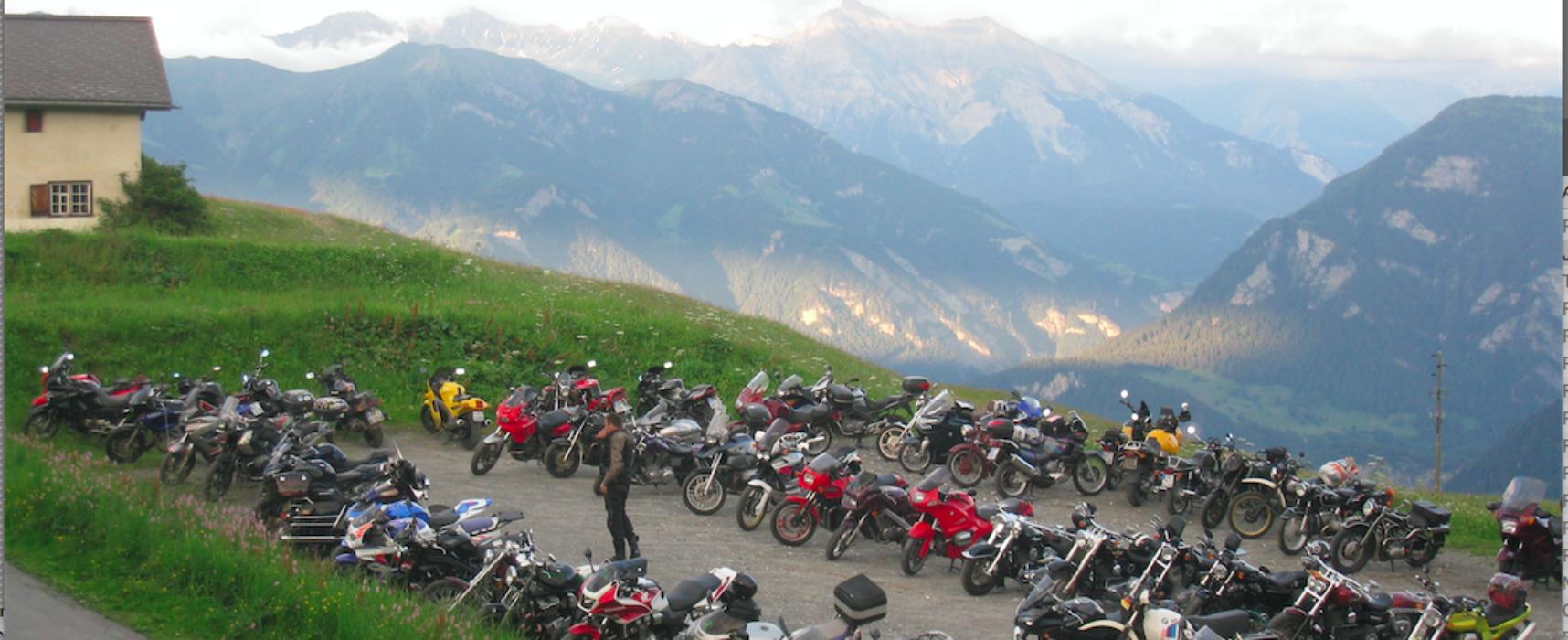 Motorradtreffen im Domleschg
