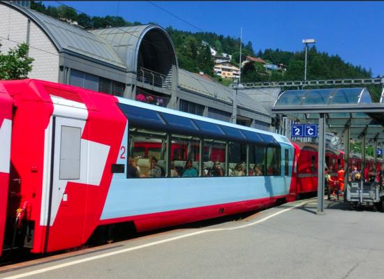 Hauptbahnhof des Domleschg bietet Einblicke: