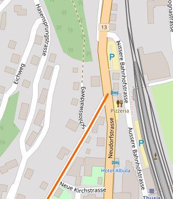 Erstaunlich: Auf Openstreetmap Schweiz ist das Gebiet nicht einmal grün markiert, auch sonst kann auf Anhieb kein besonderes Schutzinteresse festgestellt werden, aber offenbar ist ein solches vorhanden für diese Gehölze und Hecken