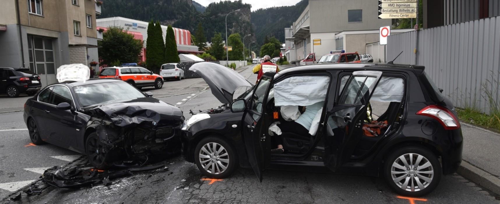 Thusis: Zwei Verletzte bei Kollision