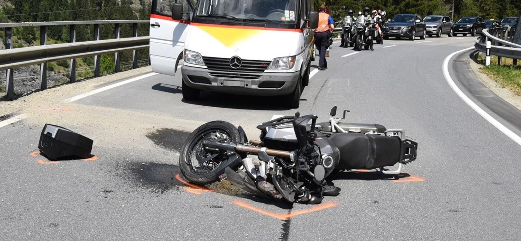 Motorrad-Unfall auf der Schinstraße   Domleschger Zeitung